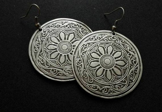 Hey, I found this really awesome Etsy listing at https://www.etsy.com/listing/490212307/antique-silver-plated-earrings-ethnic