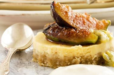 Lemon cheesecake with passionfruit and grilled figs