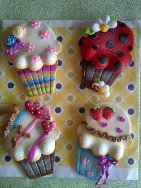 Polmer clay cupcakes