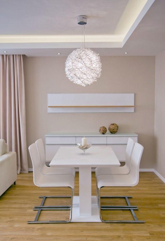 die besten 25 beleuchtung wohnzimmer ideen auf pinterest indirekte beleuchtung wohnraum. Black Bedroom Furniture Sets. Home Design Ideas