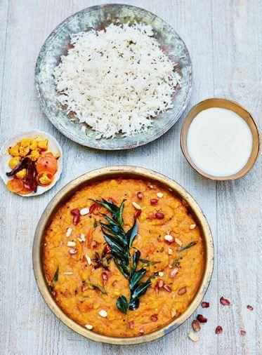 Honig gegen eine vegane Alternative austauschen dann ist das Rezept vegan!  Gujarati Dal mit Erdnüssen + Sternanis | Frankfurter Kochbuchrezensentin