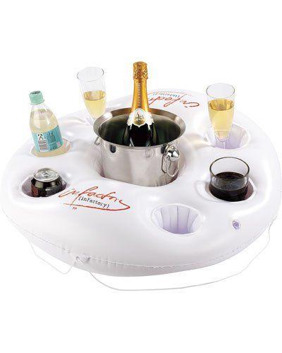 Pour un week-end au bord d'une piscine, un bar flottant ! :-D