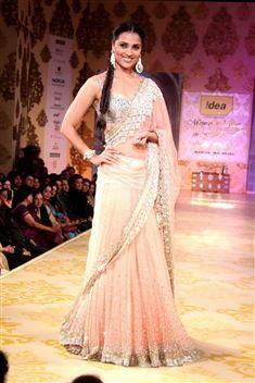 Lara Dutta Bollywood Replica Lehenga