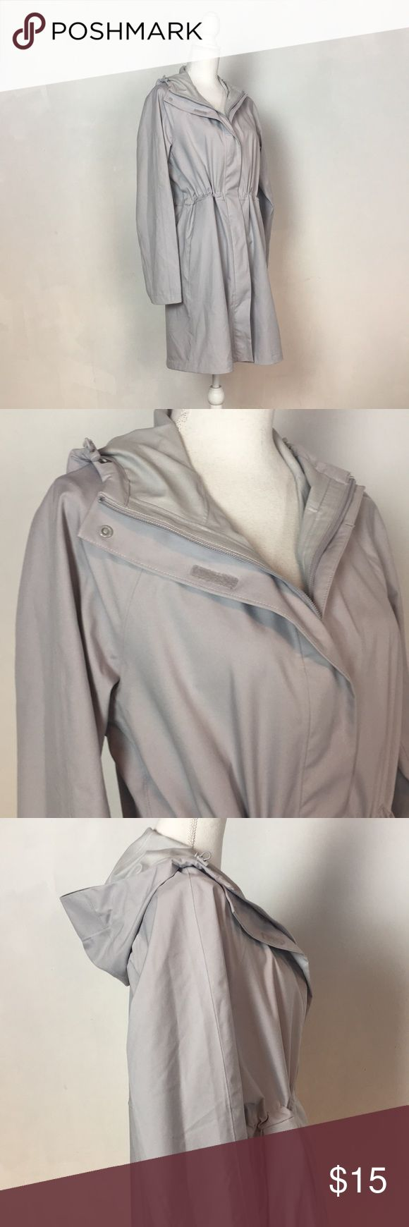 Uniqlo grey rain slicker Lightweight and like guy grey Uniqlo rain slicker. Great for travel! Folds easily to stash in your backpack or purse. Full zipper and extra Velcro closures, zippered side pockets to keep belongings safe on the go. Uniqlo Jackets & Coats Utility Jackets