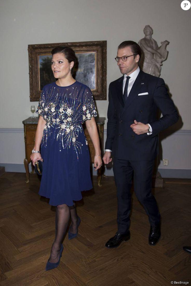 La princesse Victoria, enceinte de cinq mois, prenait part au dîner organisé par le président de Tunisie et sa femme au Grand Hôtel à Stockholm le 5 novembre 2015