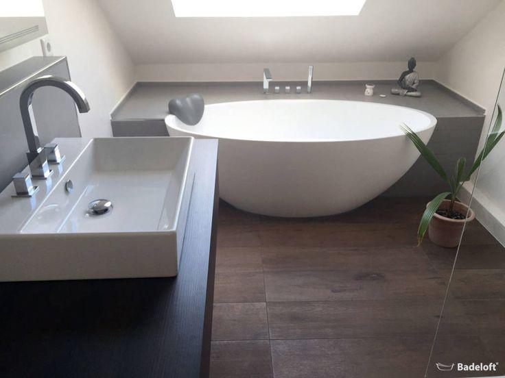 Die besten 10+ Moderne badezimmer Ideen auf Pinterest | Beton ... | {Modernes bad mit eckbadewanne 33}