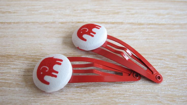 Red Elephane Snap Clip