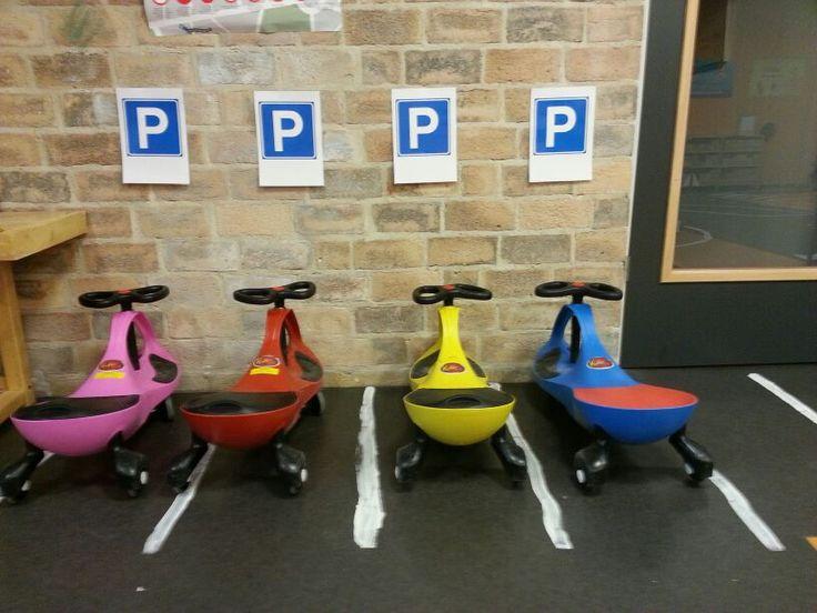 Parkeerplaats tijdens het thema Verkeer op de Prinses Amaliaschool in Boxtel. www.prinses-amaliaschool.nl