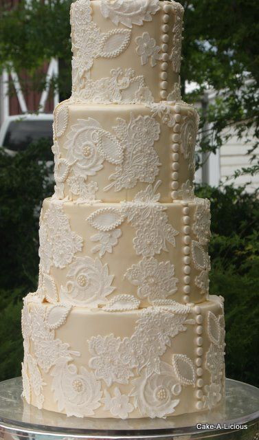 vintage lace wedding cake