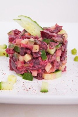 Tartaar van rode biet, komkommer en wasabi veganaise | veganistisch koken - heerlijke recepten