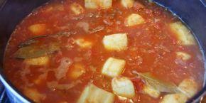 Recette Rouille de seiche à la sétoise 1Kg de seiche en grosses lamelles (ou d'encornets) huile d'olive 6 gousses d'ail 2 oignon 2 branche de thym 2 feuilles de laurier 2 boîte de tomates concassées – contenance 425 ml 1/2 de litre de vin blanc sec du safran ou du spigol (perso, 2 dose safran, 4 doses spigol) sel, poivre du lait (pour le trempage)