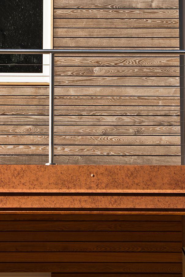 FRASSINO TERMO-TRATTATO OSSIDATO. Rivestimento in legno per pareti esterne su...