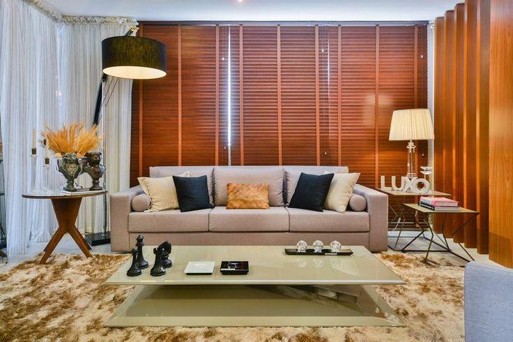 persiana de madeira para sala de estar