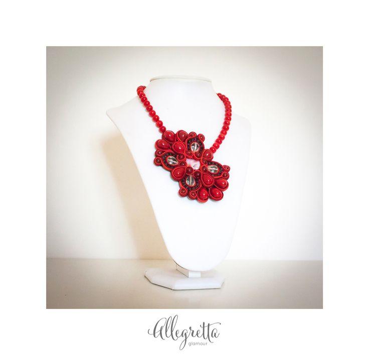 Perle di majorca rivestite in madreperla, pasta di corallo, cristalli di rocca, vetro murano e argento