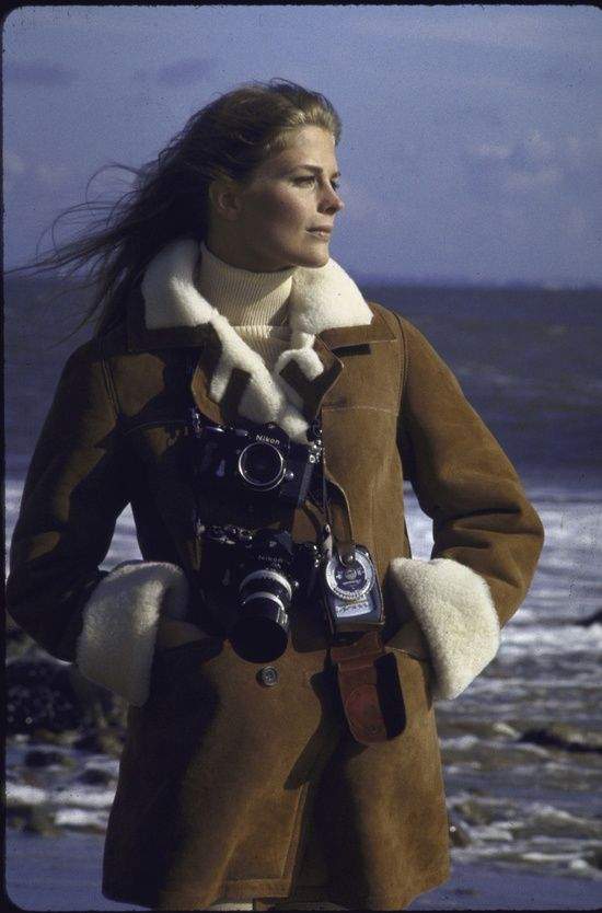 Candice Bergen with cameras, 1969