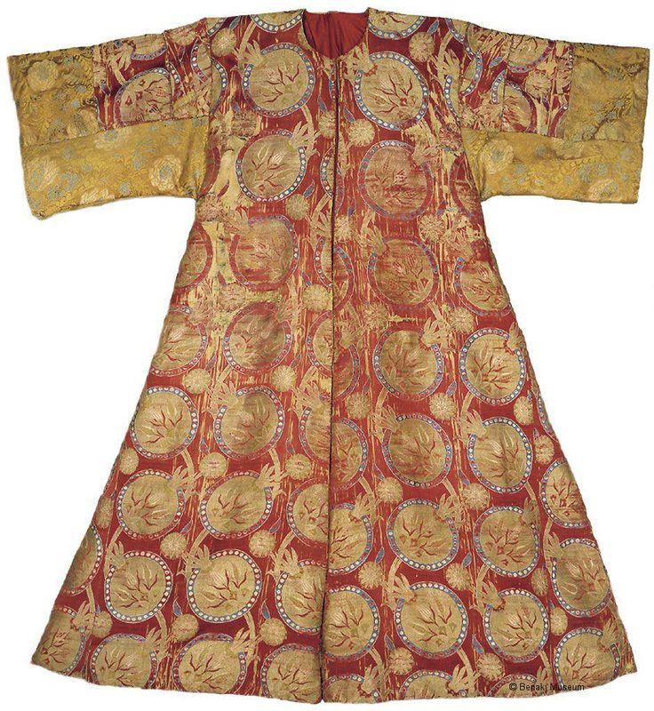 ©Benaki Museum Ottoman Kaftan, 1550. Actual Turkish wear, or modified for a European?