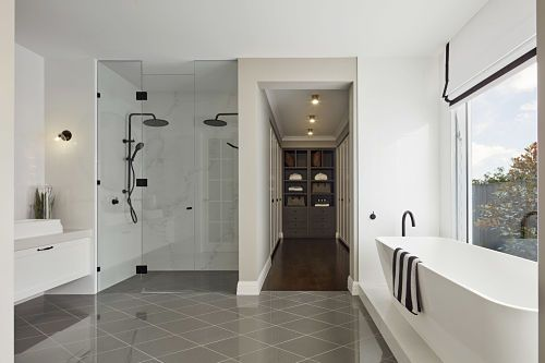 Love the combined bathroom / walk-in wardrobe.