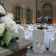 Tavoli e centrotavola per il matrimonio del conduttore Amadeus e Giovanna | Wedding designer & planner Monia Re - www.moniare.com | Organizzazione e pianificazione Kairòs Eventi -www.kairoseventi.it | Foto di www.kairoseventi.it