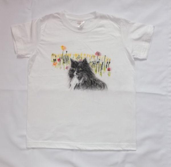 Koszulka lub bluzka ręcznie malowana - kot na łące