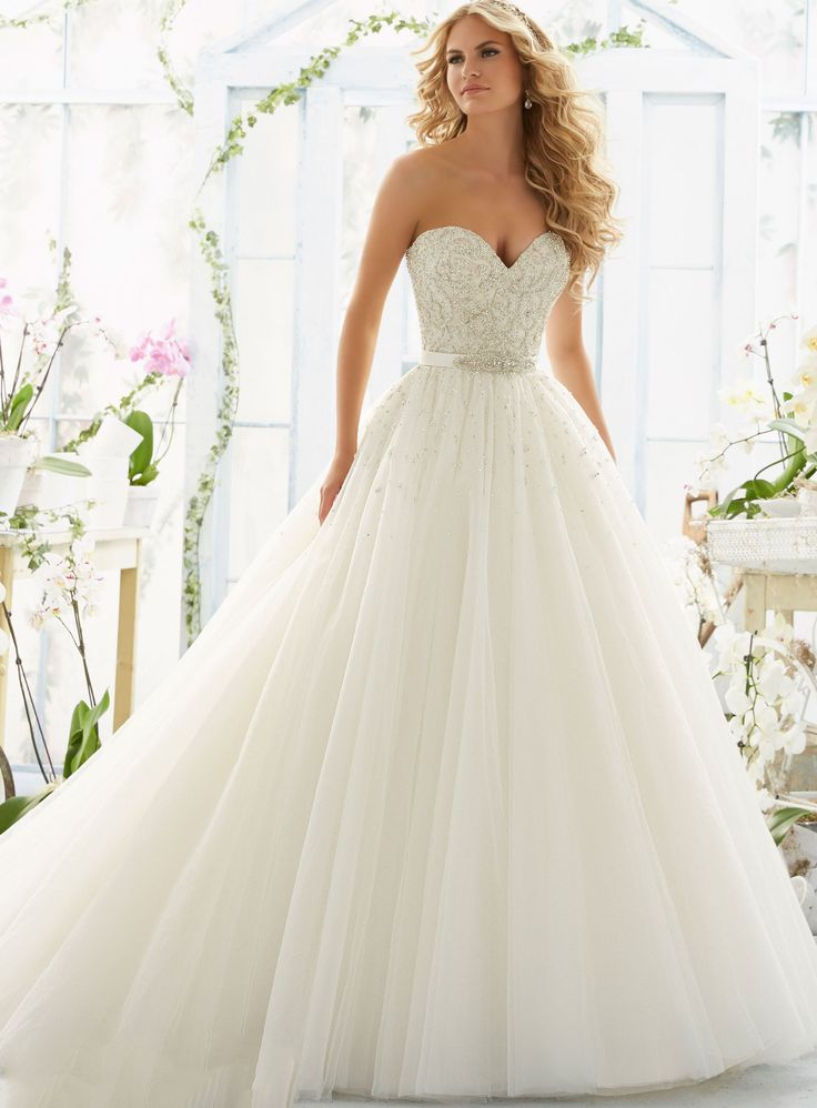 Beformal.com.au SUPPLIES Beautiful A-Line Floor-Length Sweetheart Pearls Beading Wedding Dress Princess Wedding Dresses