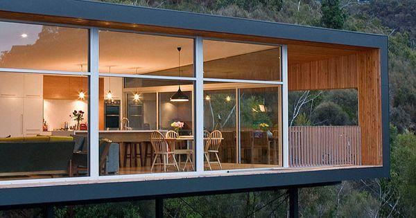 Modern pad floats along sheer slopes in Tasmania: Highway House   Тасмания, House и Современный