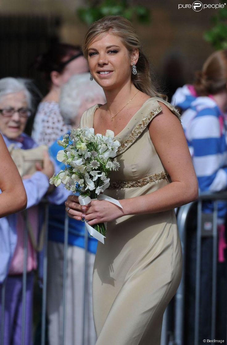 Chelsy Davy, ex du prince Harry, demoiselle d'honneur au mariage de Thomas van Straubenzee et Lady Melissa Percy à Northumbria en Angleterre, le 21 juin 2013