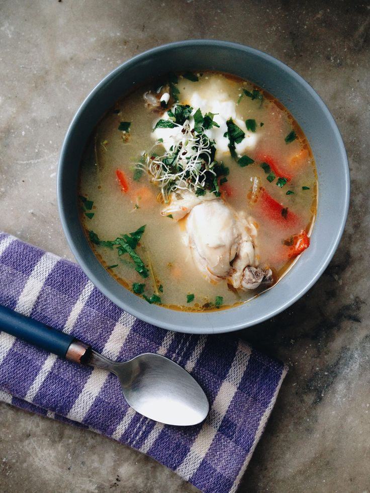 A bowl of chicken soup soup