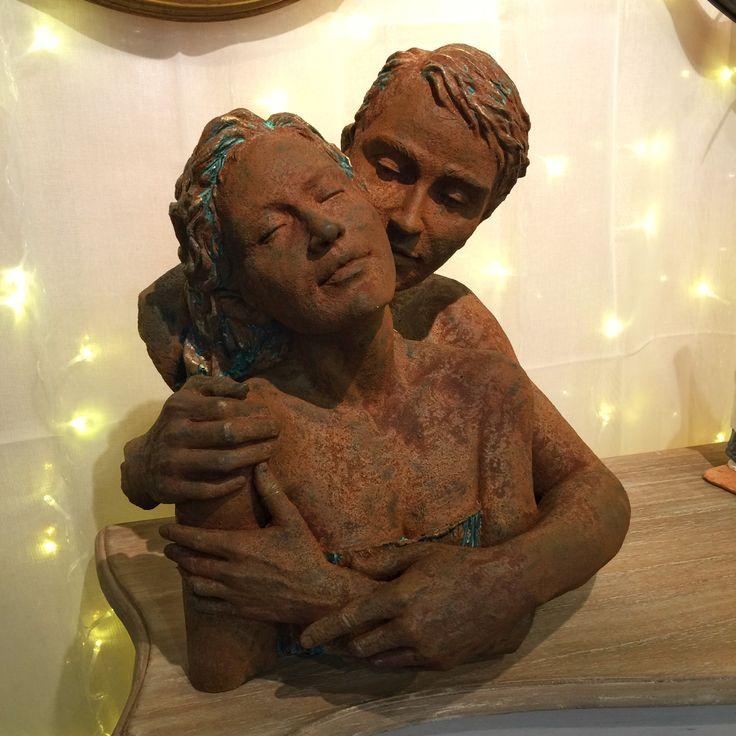 Feliz día de San Valentin.   #AralartDecoracion #Decoracion #style #HomeDecor #interiordesign #regalo #interiorismo #home #furniture #estilo #homestyle #instadecor #instalove #Loftstyle #Tolosa #tolosandco #lifestyle #desing #decodesign #homesweethome #Figura #aanglada #Escultura #sculpture #SanValentin #sanvalentinesday #SanValentine #Love #LoveSculpture #happysanvalentineday