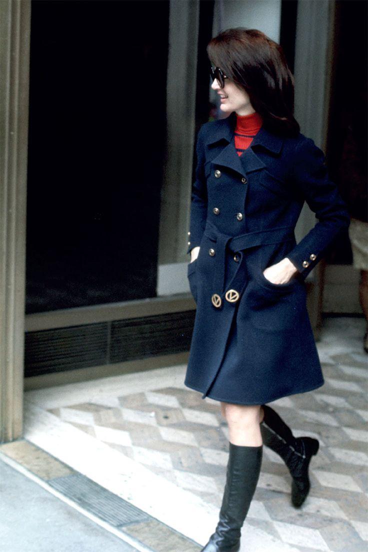 Honoring Jackie O: 10 Rarely Seen Images - HarpersBAZAAR.com