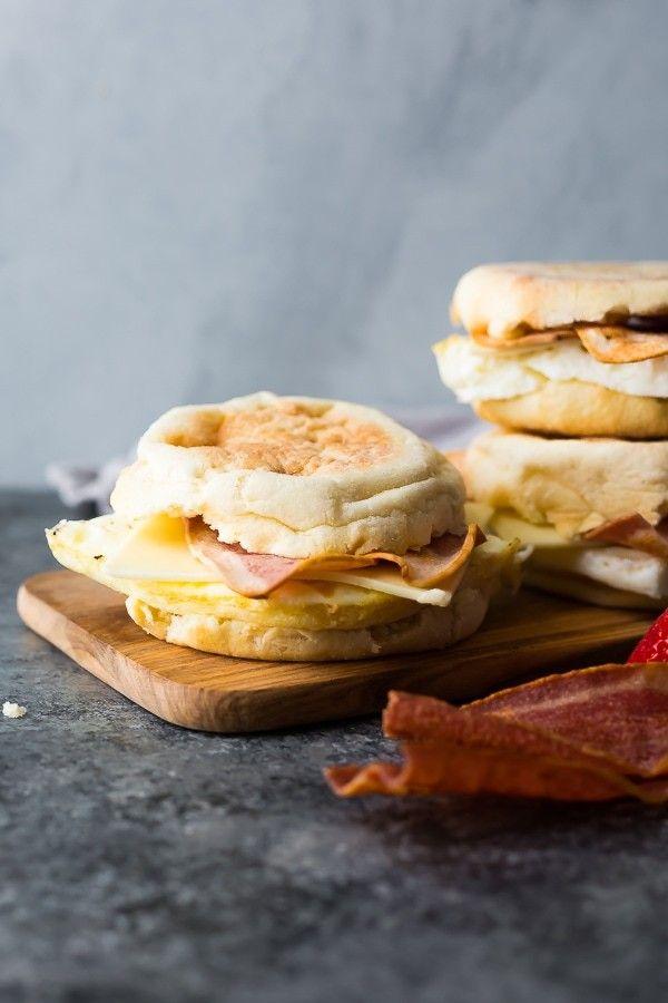 Copycat Starbucks Egg White Breakfast Sandwich Copycat Sandwich Starbucks In 2020 Egg White Breakfast Breakfast Sandwich Egg White Breakfast Recipes