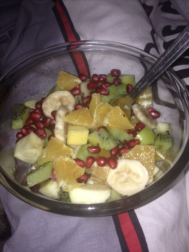 #salad #healthyfood #heathylife #fruit #saladfruit #banana #kiwi #nightfood #fit #weight #loseweightfood