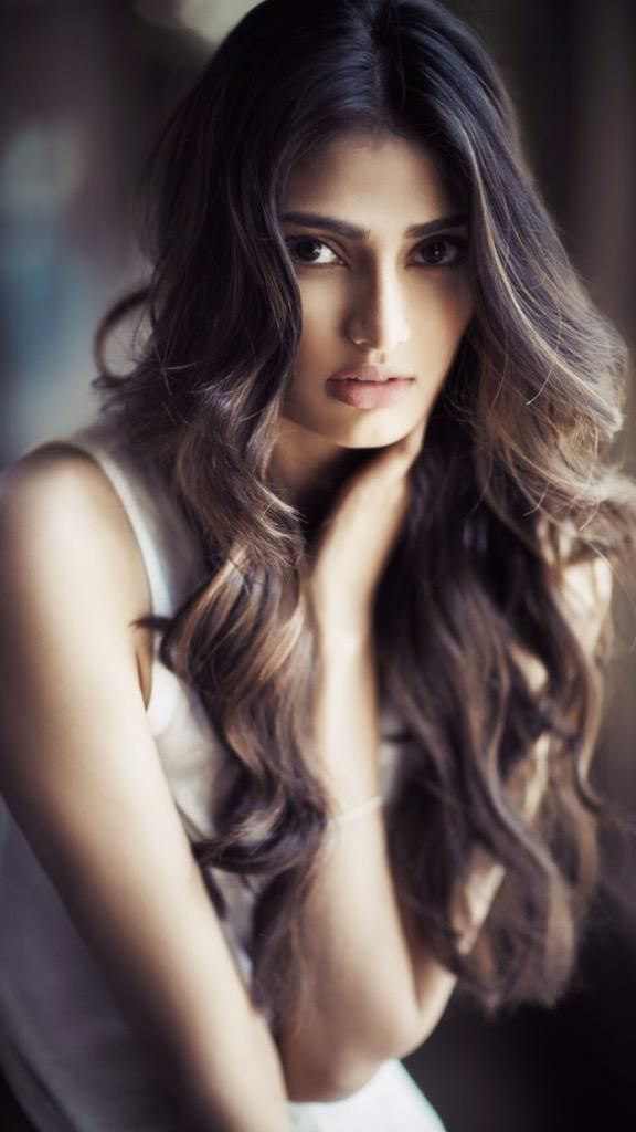 Athiya shetty.. recently acted in a movie called hero