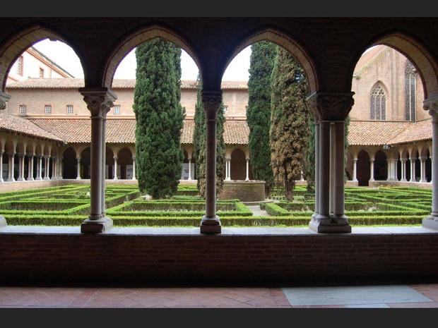 Toulouse  Le couvent des Jacobins est un véritable joyau de l'art gothique…