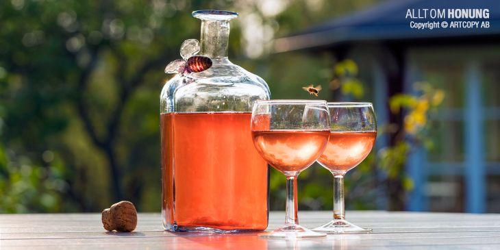 Läs mer om honung och biprodukter i boken Honung.