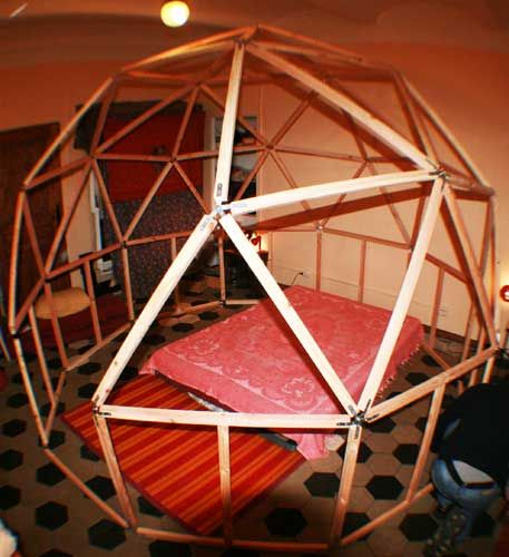 Candida International: How to Make a Geodesic Dome: Eliminate Heating Bills and Homelessness Panic Attacks