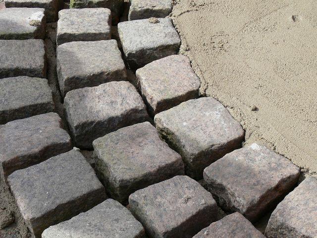Sabelhagens olivlund : En stentrappa/trappsteg före - efter