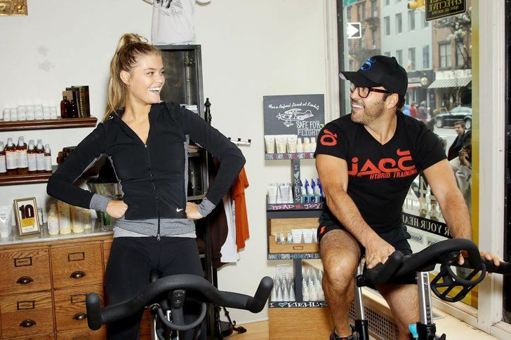 Pin for Later: Jeremy Piven Wants Ladies to Feel Empowered by Red Lipstick Jeremy Piven and Nina Agdal