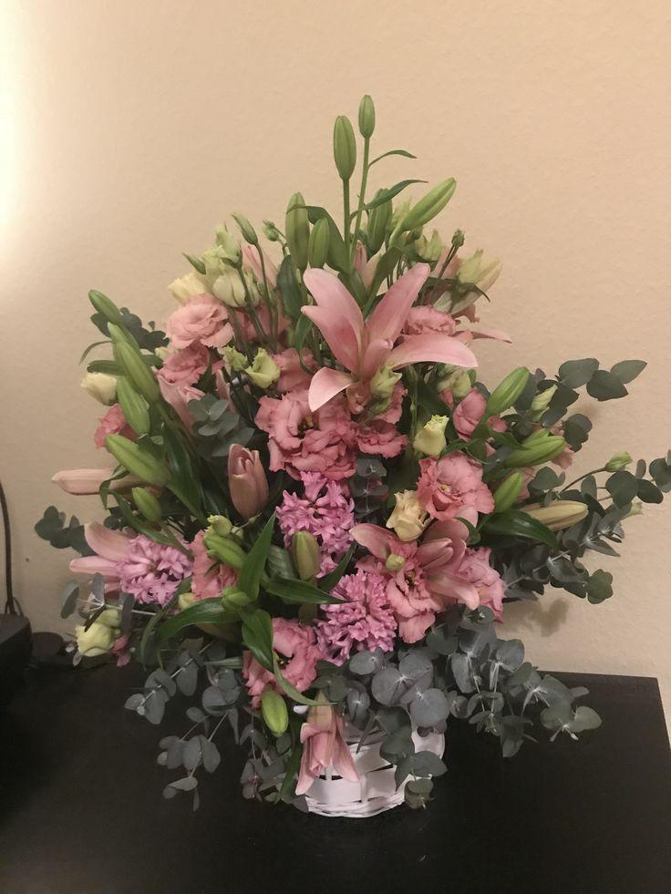rózsaszín virágkosár