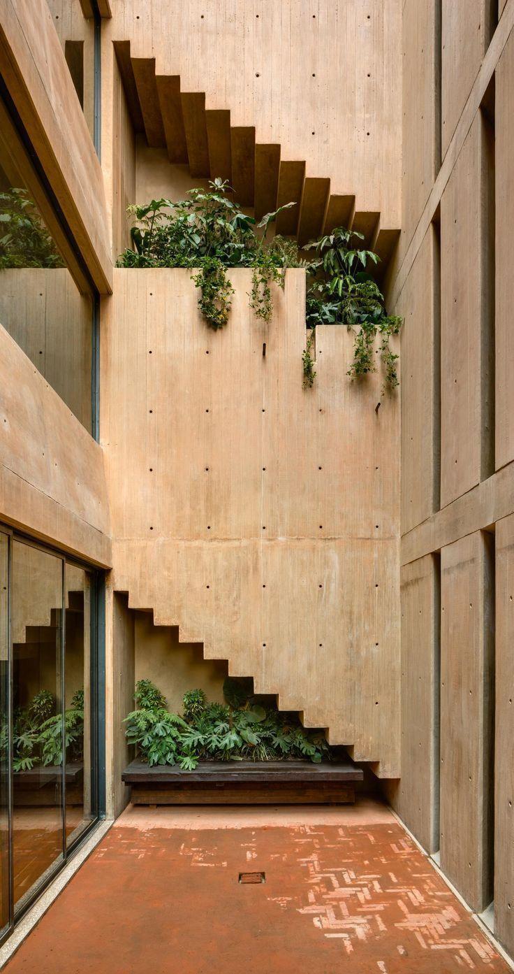 Architekt Hector Barrosos Betongehäuse ist um drei Patios gebaut Es ist von