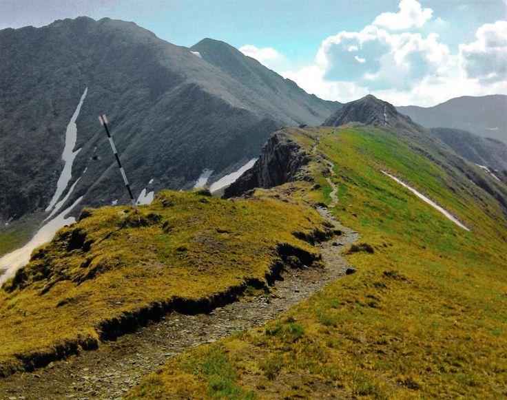 Fagaras Mountains - Summer Trekking Trail