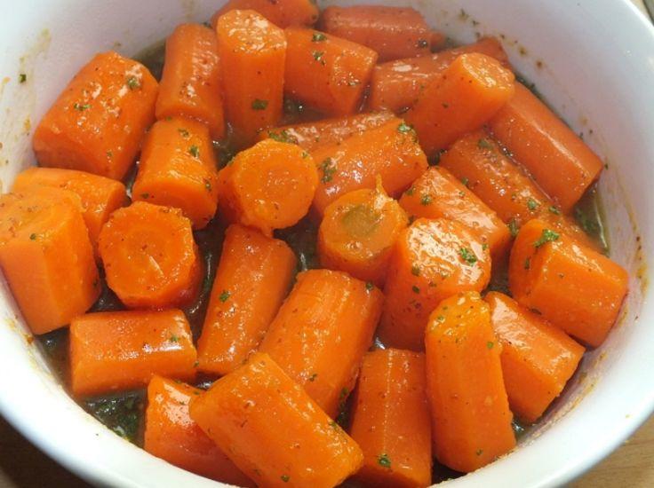 Worteltjes zijn de perfecte snack en je kunt ze rauw uit gekookt eten! Ik vind het ook heerlijk om rauwe wortels te raspen en er een frisse wortelsalade van te maken. Wortels zijn ook nog eens hartstikke goed voor de gezondheid want wortels bevatten caroteen. Caroteen wordt in het lichaam omgezet naar Vitamine A en …
