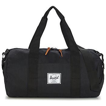 A Herschel propõe-nos um saco de desporto em tecido para as nossas sessões no ginásio. Este modelo preto está repleto de carácter e de um estilo na moda. Nem demasiado grande nem demasiado pequeno, é perfeito para as suas coisas de desporto. Consegue resistir?  - Cor : Preto - Malas  77,00 €