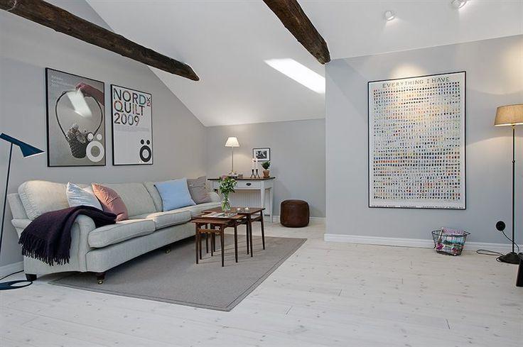 fin grå vägg färg o fina riktbara spots
