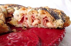 rotolo-di-sfoglia-con-prosciutto-e-formaggio-La-cucina-di-ASI-© 2015