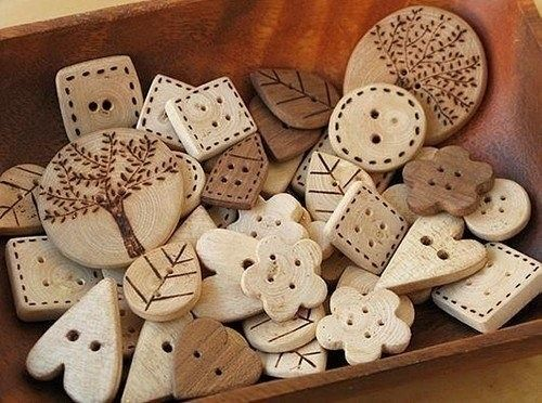 WOOD BUTTONS                  PC