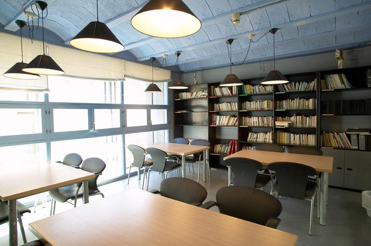 Cerverí de Girona - Girona. Equipat per a persones amb mobilitat reduïda (consulteu a l'alberg) Sala de TV i DVD, sala d'estudis amb ordinadors y calefacció.