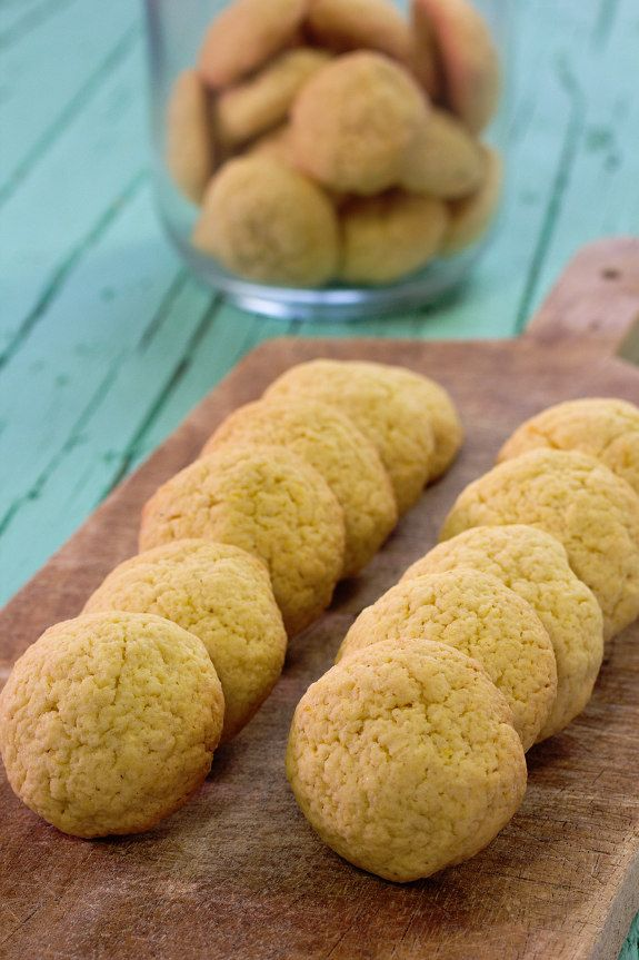 Cinco Quartos de Laranja: Biscoitos de farinha de milho com limão