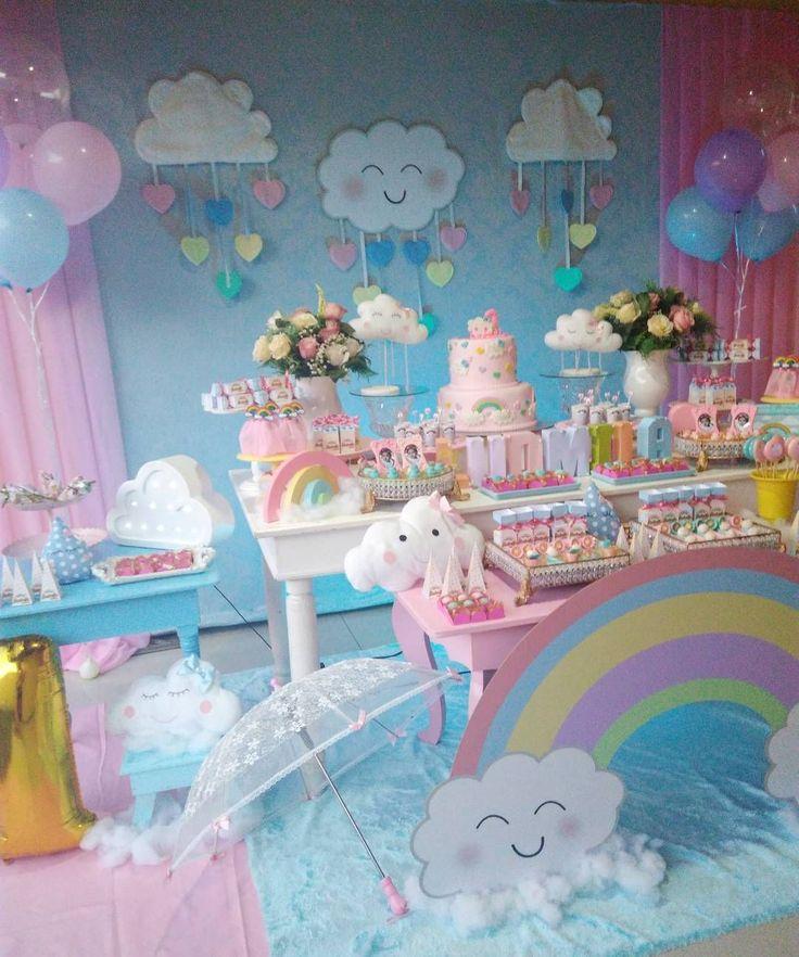 Nossa segunda decoração de sábado foi essa fofura de tema, chuva de amor☔☔☔ #chuvadeamor #festachuvadeamor #temachuvadeamor #rainbowparty #loveparty #josianesoaresdecor #temanuvem #festanuvem #temaarcoiris #festaarcoiris