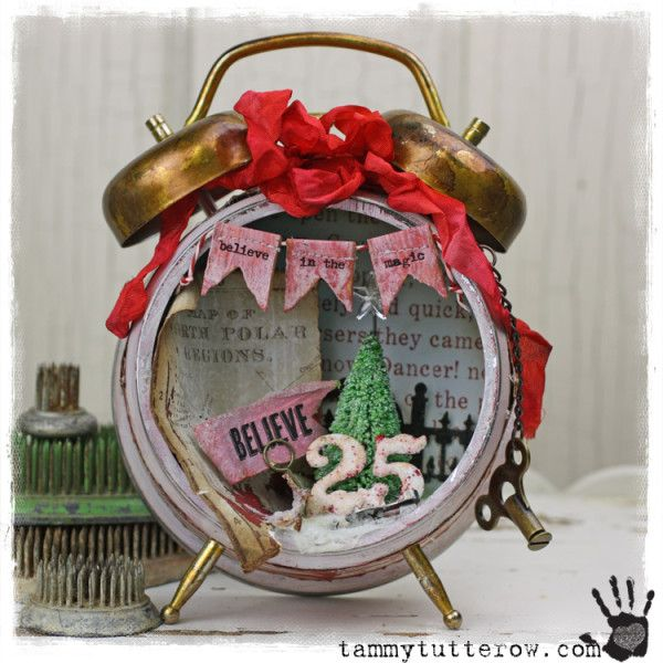 ** Christmas Altered Clock @Tammytutterow