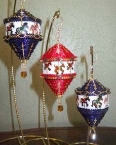Carousel Trio Ornament Pattern by Robi Lynn at Sova-Enterprises.com. Lots of FREE Beading Patterns/Tutorials available from various designers!